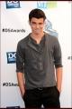 2012-dosomething-awards-014