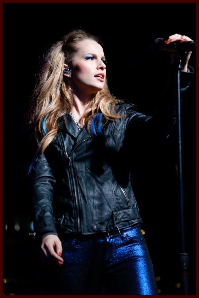 Shine On Media Bridgit Mendler Hot Chelle Rae Owl City And More Rock The Red Kettle