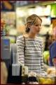 jenniferlawrence-shopping-002