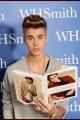 justinbieber-booksigning-004