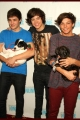 onedirection-signings-013