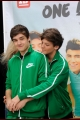 onedirection-signings-021