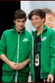 onedirection-signings-027