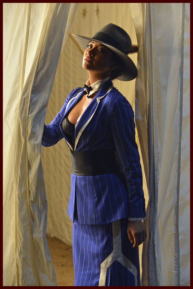 "The Liars Go Edwardian and Ezra Lurks in ""Pretty Little ... A Pretty Little Liars Costume"