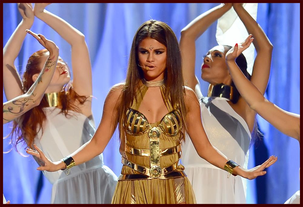 Selena Gomez: 'Come & Get It' Video Pics! | Photo 559385 ...  |Selena Gomez Come And Get It Performance