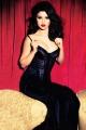 selen-gomez-cover-glamour-magazine-2012-december-issue-selena-gomez-32631861-500-691