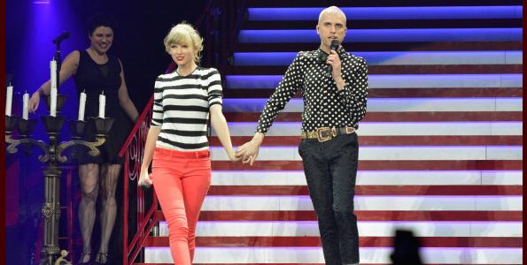 "Taylor Swift and Tyler Glenn of Neon Trees Sing ""Everybody Talks"" In Newark (Video)"