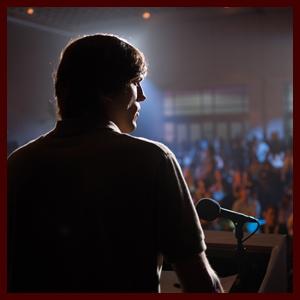 Ashton Kutcher Blazes Trail as Steve Jobs in New JOBS Trailer