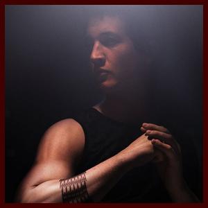 Miles Teller & Zoe Kravitz: New 'Divergent' Character Posters