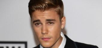 Justin Bieber Suits Up for amfAR Cinema Against AIDS Gala