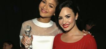 Demi Lovato, Zendaya, Josh Hutcherson & Sarah Hyland Unite 4 Good