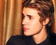 justinbieber-haloawards-102815